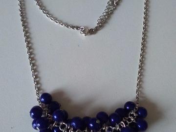 Vente au détail: Colliers grappes de raisin bleu nuit