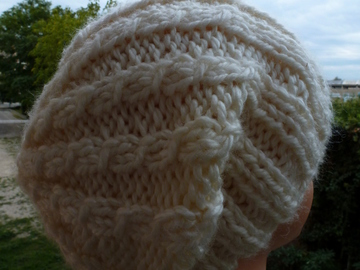 Vente au détail: bonnet  blanc  à porter retombant ou avec revers adulte ado