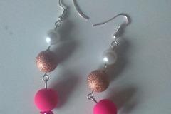 Vente au détail: Boucle d'oreille trio de perles