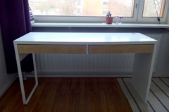 Selling: IKEA office table RESERVED