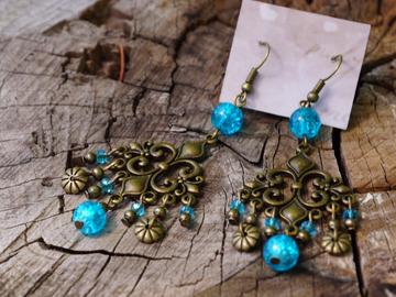 Vente au détail: Boucle d'oreille chandelier turquoise