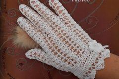 Vente au détail: Mitaines blanches en coton au crochet .dentelle