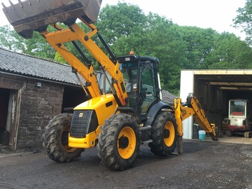 Daily Equipment Rental: JCB 4CX Backhoe Loader