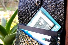 Vente au détail: Porte carte en cuir impression petite sirène