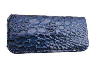 Vente au détail: Etui à lunette en cuir impression crocodile bleu