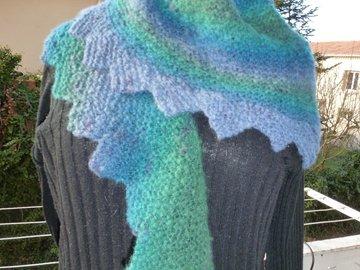 Vente au détail: grande écharpe queue de dragon, ou chauffe épaule en mohair