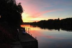 NOS JARDINS A LOUER: Jardin en bord de Seine avec quai privatif