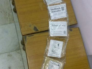 """Products: Set of Curry powders and masalas from """"Spice Girls of India"""""""