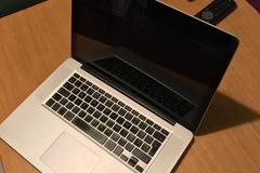 """Myydään: 15"""" MacBook Pro, Mid 2009"""