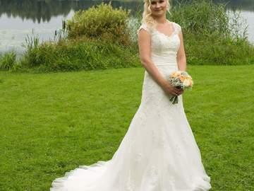 Ilmoitus: Ihana Sincerity bridal 3813 häämekko