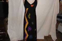 Vente au détail: joli robe dos nue