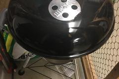 Myydään: NEW Weber BBQ, Uusi hiiligrilli WEBER BAR-B-KETTLE  47cm