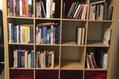 Myydään: Kirjahyllyt Or Bookshelf