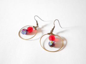 Vente au détail: Boucles d'oreilles créoles bronze et perles en verre boheme