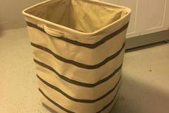 Myydään: Laundry basket