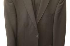 Myydään: Suit/Puku