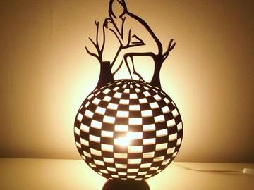 Sale retail: Lampe ronde effet optique