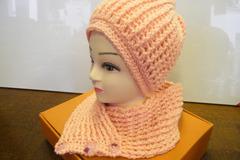 Vente au détail: Bonnet et col écharpe rose