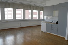 Renting out: A splendid office next to Redi