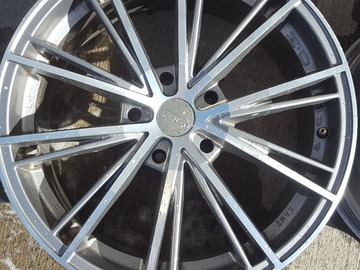 Selling: 18x8.5 | 5x120 | O.Z. Racing Envy