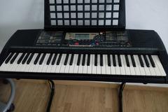 Myydään: Keyboard Yamaha
