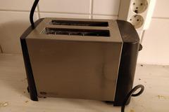 Myydään: Toaster