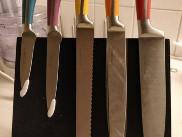 Myydään: Knife set