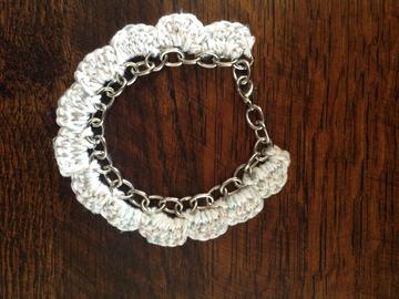 Vente au détail: Bracelet chaine et coton