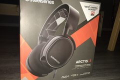 Myydään: (New & Unpacked) Steelseries ARCTIS 3 Gaming Headset