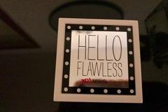 Venta: Benefit hello flawless