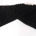 Vente au détail: Bandeau croisé en laine matière acrylique noir