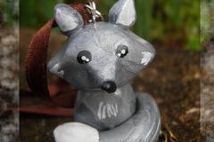Vente au détail: Figurine décorative à suspendre : petit loup gris