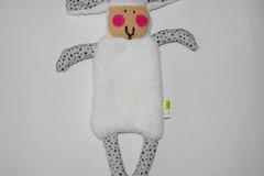 Vente au détail: Doudou Mouton blanc et bleu clair décoré d'étoiles noires