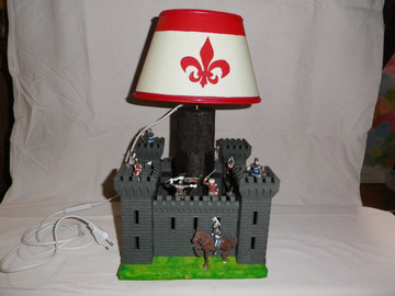 Sale retail: lampe chateau fort