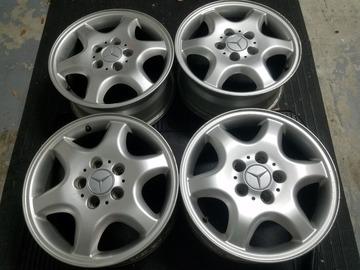 Selling: 16x7 | 5x112 | Mercedes c230 OEM wheels