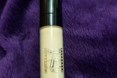 Venta: Corrector makeup atelier