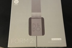 Selling: headphone beoplay form 2i