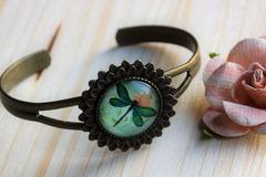 """Vente au détail: Bracelet rigide tournesol """"cabochon libellule"""""""
