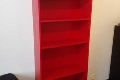 Myydään: Bookshelf