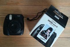 Ilmoitus: Fujifilm Instax Mini 8 polaroid-kamera