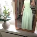 Ilmoitus: Myydään käyttämätön kaason mekko