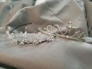 Ilmoitus: Kaksi tiaraa