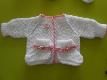 Vente au détail: ensemble brassiere bebe bonnet chaussos  bébé