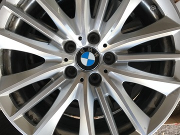 Selling: BMW 550i OEM Rims and tires