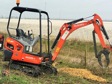 Daily Equipment Rental: Kubota 1.5t Mini Excav/ Leeds/Wakef/Barnsley/Sheff