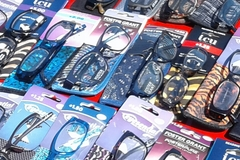 Bulk Lot: 300 pc READING GLASSES Foster Grant, Magnivision & more...