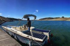 Rent per half day: Half Day in a 100% electro-solar boat in Alentejo