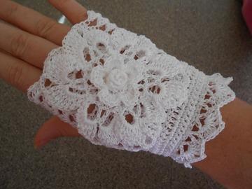 Vente au détail: Mitaines blanche dentelle au crochet,accessoires été/mitaine