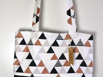 "Vente au détail: Sac cabas ""triangles"""