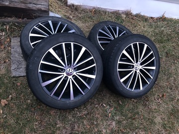Selling: 2016 Jetta Sport wheels and tires
